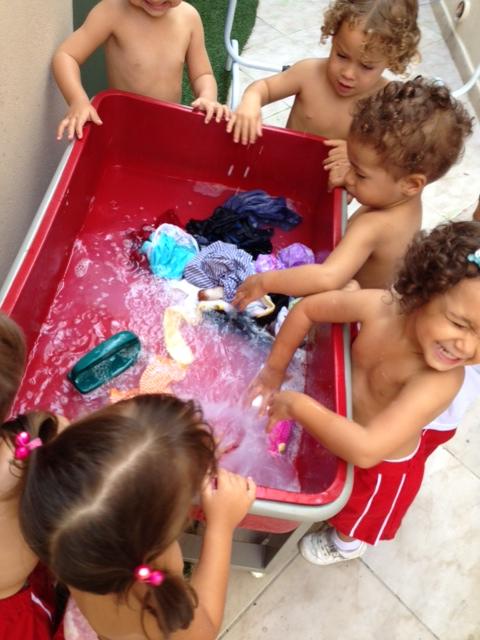 Lavando roupa
