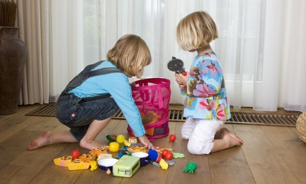 Fonte: http://nacasadaana.com.br/wordpress/wp-content/uploads/criancas-guardando-brinquedos.jpg